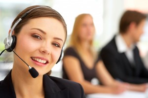 Callcenter_Frau_shutterstock_3248499_22001-1024x680