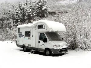 Camping Urlaub mit Wohnwagen auch zur kalten Jahreszeit möglich