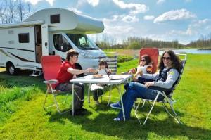 (JaySi/Shutterstock.com)Wohnmobilstellplatz Lippstadt für ihren Camping Urlaub mit der Familie