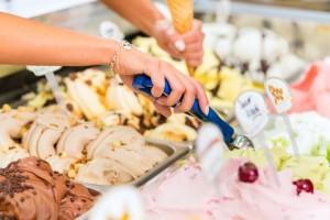 verschiedene Eissorten für Hotel- und Pensionsgäste in Lippstadt