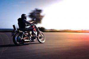 (arda-savasciogullari/Suhtterstock.com) Motorradfahrer finden Unterkünfte in Lippsadt und Umgebung mit Hilfe der Agentur für Zimmervermittlung