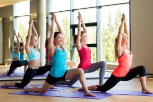 (Syda-Productions/Shutterstock.com) Yoga zur Entspannung bei Ihrem Wellnesswochenende in Lippstadt