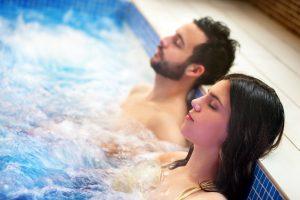 (karelnoppe/Shutterstock.com) Wellness in der Nähe vom Hotel