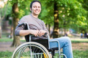 (Minerva/Shutterstock.com) Hotelkomfort im Rollstuhl