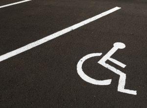 (deckard_73/Shutterstock.com) Behindertengerechtes Hotel