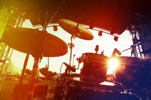 (gornostay/Shutterstock.com) Sonne auf dem Rathausplatz-Festival