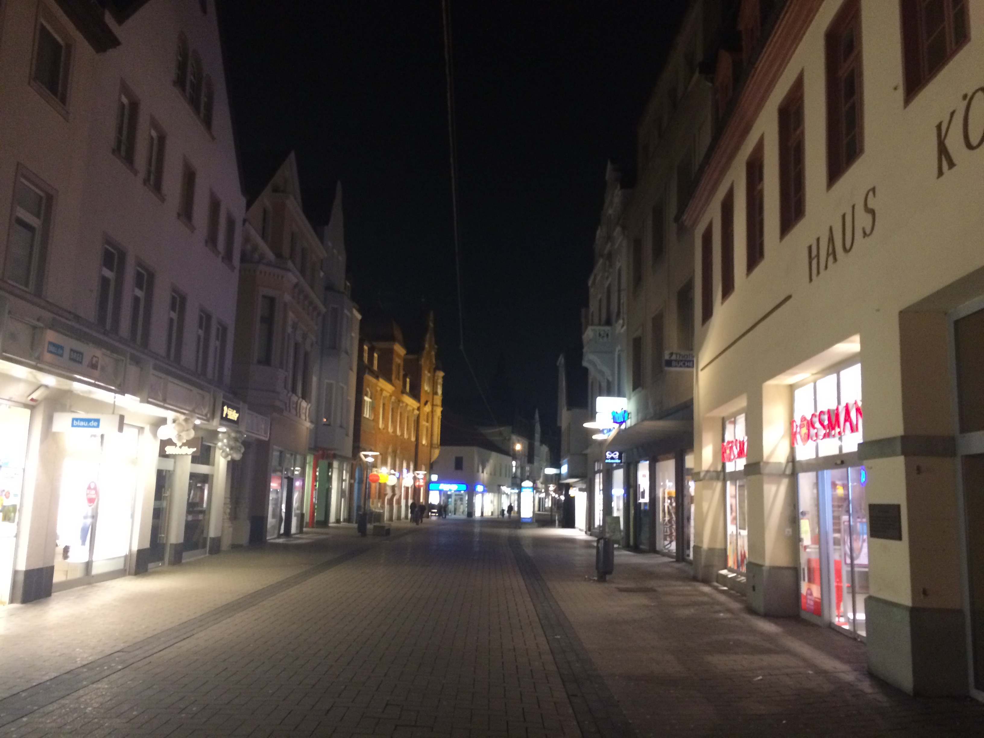 Einkaufsstraße Langestrasse am Abend Lippstadt