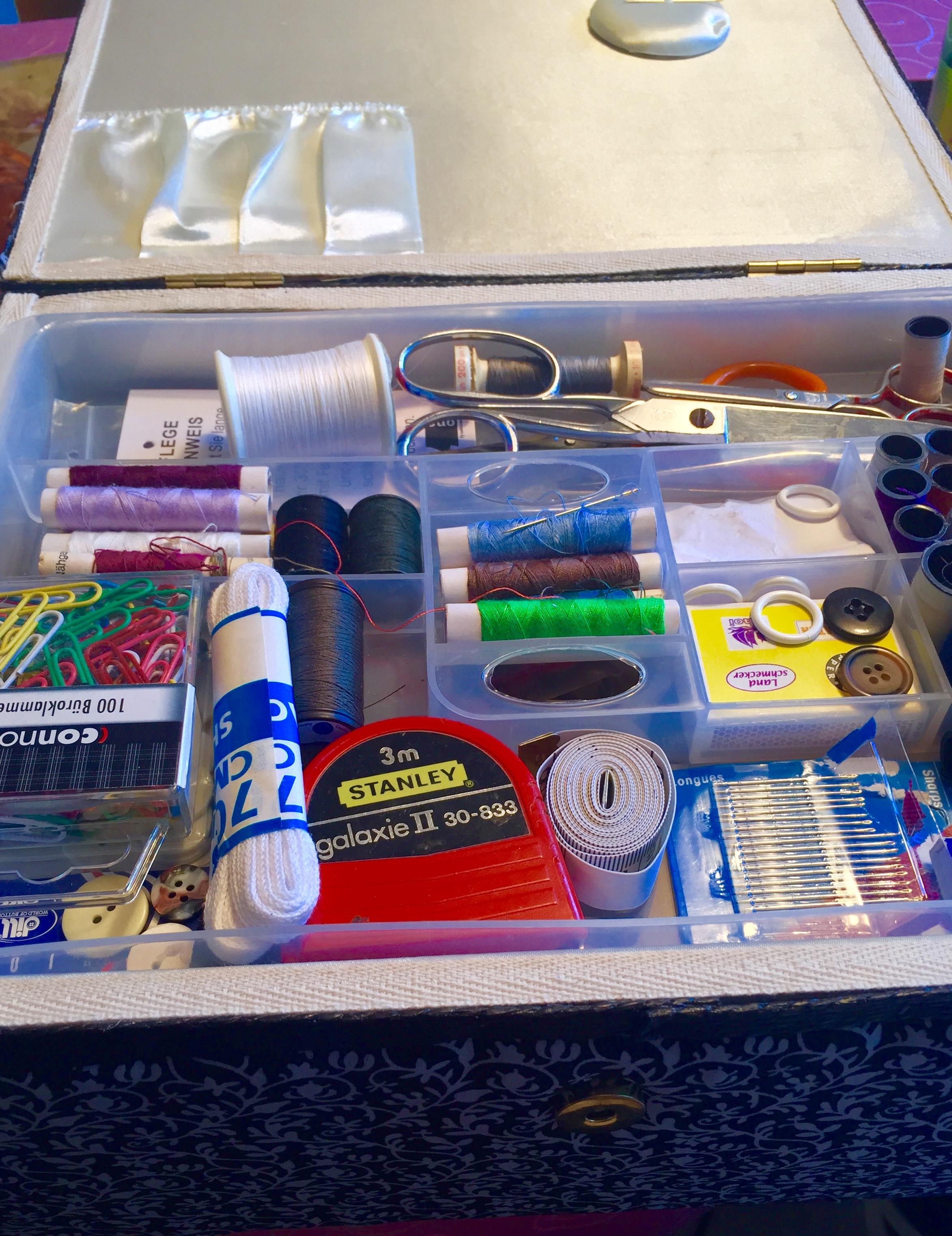 Brauche ich ein Nähset im Urlaub? - Ich packe meinen Koffer und nehme mit... Kofferpacken für einen Aufenthalt in Hotels, Pensionen und Appatements