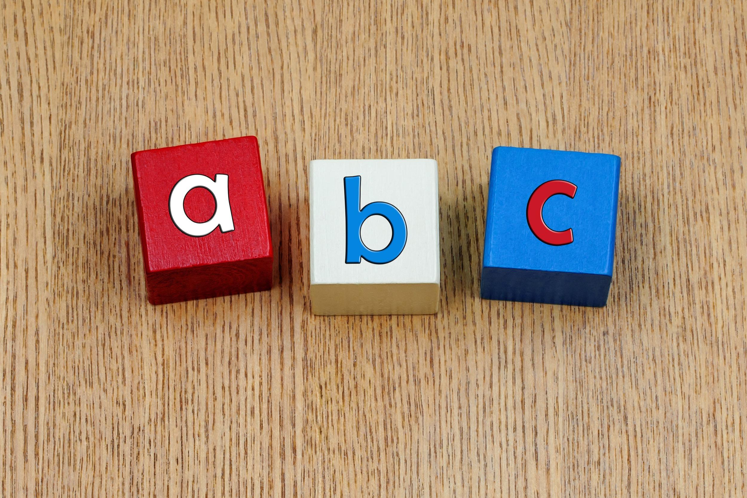 (Ed_Samuel_/Shutterstock.com) Das Reise ABC der Agentur für Zimmervermittlung Lippstadt