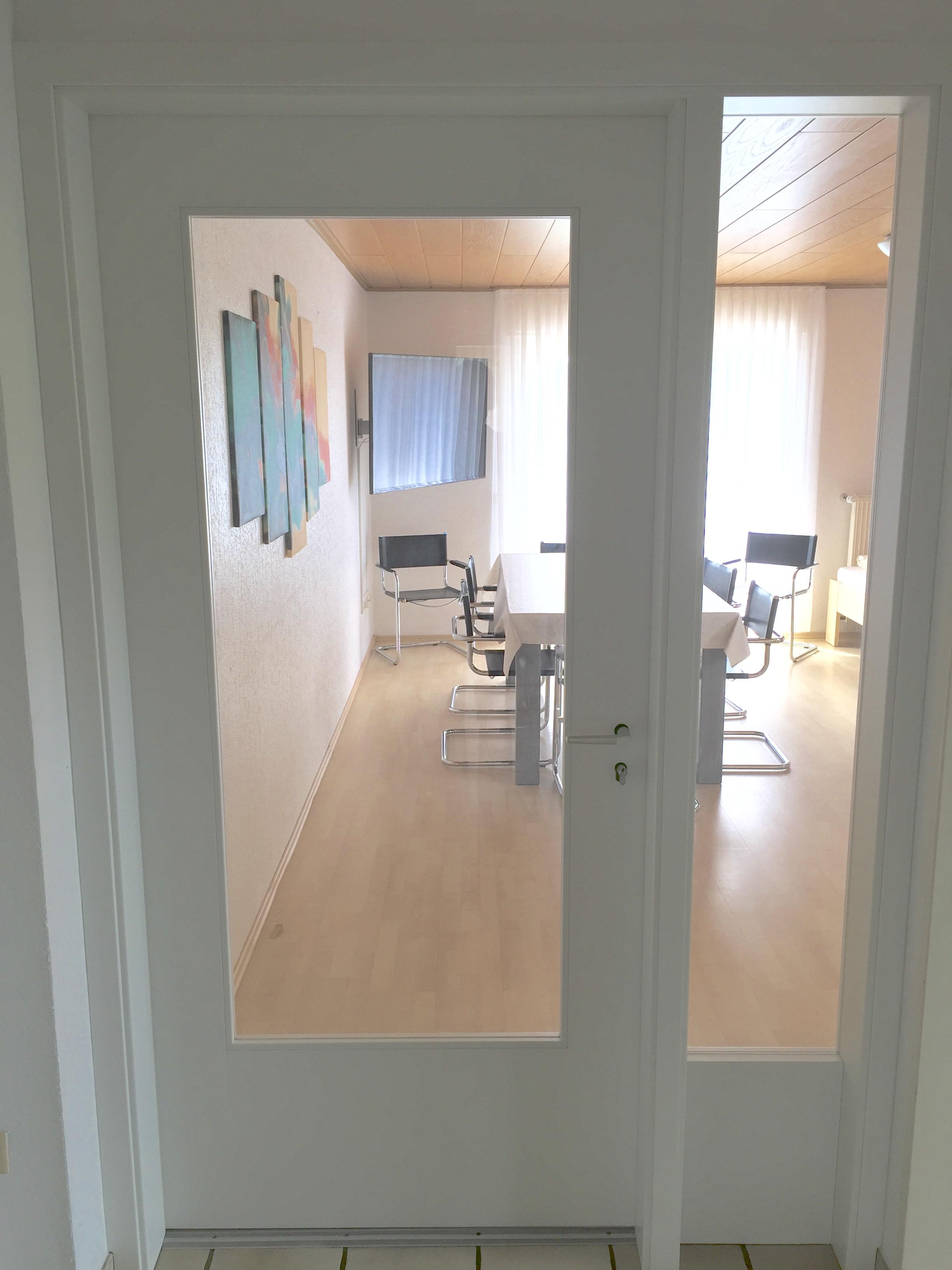 Hotel vs. Ferienhaus - Welche Unterkunft Sie auch suchen, die Agentur für Zimmervermittlung findet eine passende Bleibe für Sie in Lippstadt
